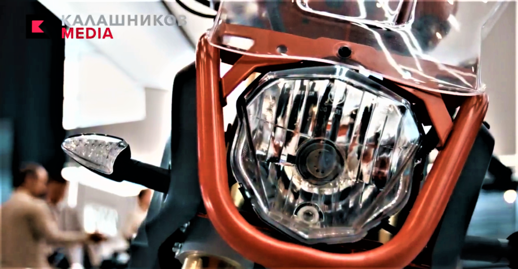 Kalashnikovs-UM-1-electric-adventure-bike-headlight